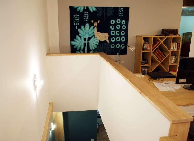 Woodline Menuiserie Anthony Hablot, Menuisier Charpentier dans le Val-de-Ruz, Suisse - création d'une rambarde, coin bureau pour mezzanine, lambris, bardage